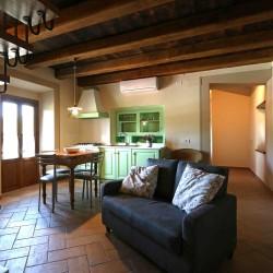 agriturismo_casentino_la_dolce_vista_soggiorno2_torretta