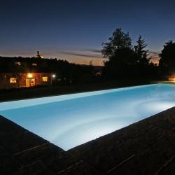 agriturismo_casentino_la_dolce_vista_piscina_notturna